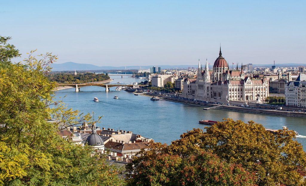 madjarska-budimpesta-dunav-parlament